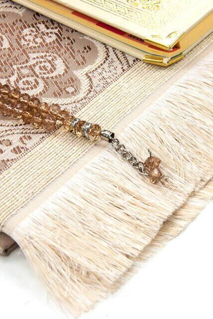 50 ADET - İsim Baskılı Ciltli Yasin Kitabı - Seccade - Kristal Tesbih Set - Dini Hediye