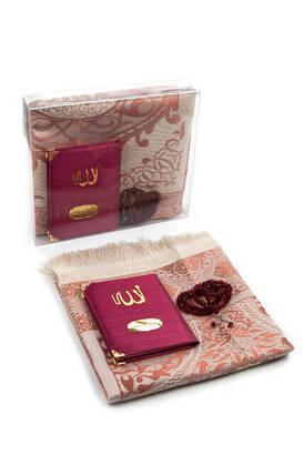 İhvan - Şantuk Kumaş Kaplı Yasin Kitabı - Çanta Boy - İsme Özel Plakalı - Seccadeli - Tesbihli - Kutulu - Bordo Renk - Mevlid Hediyeliği